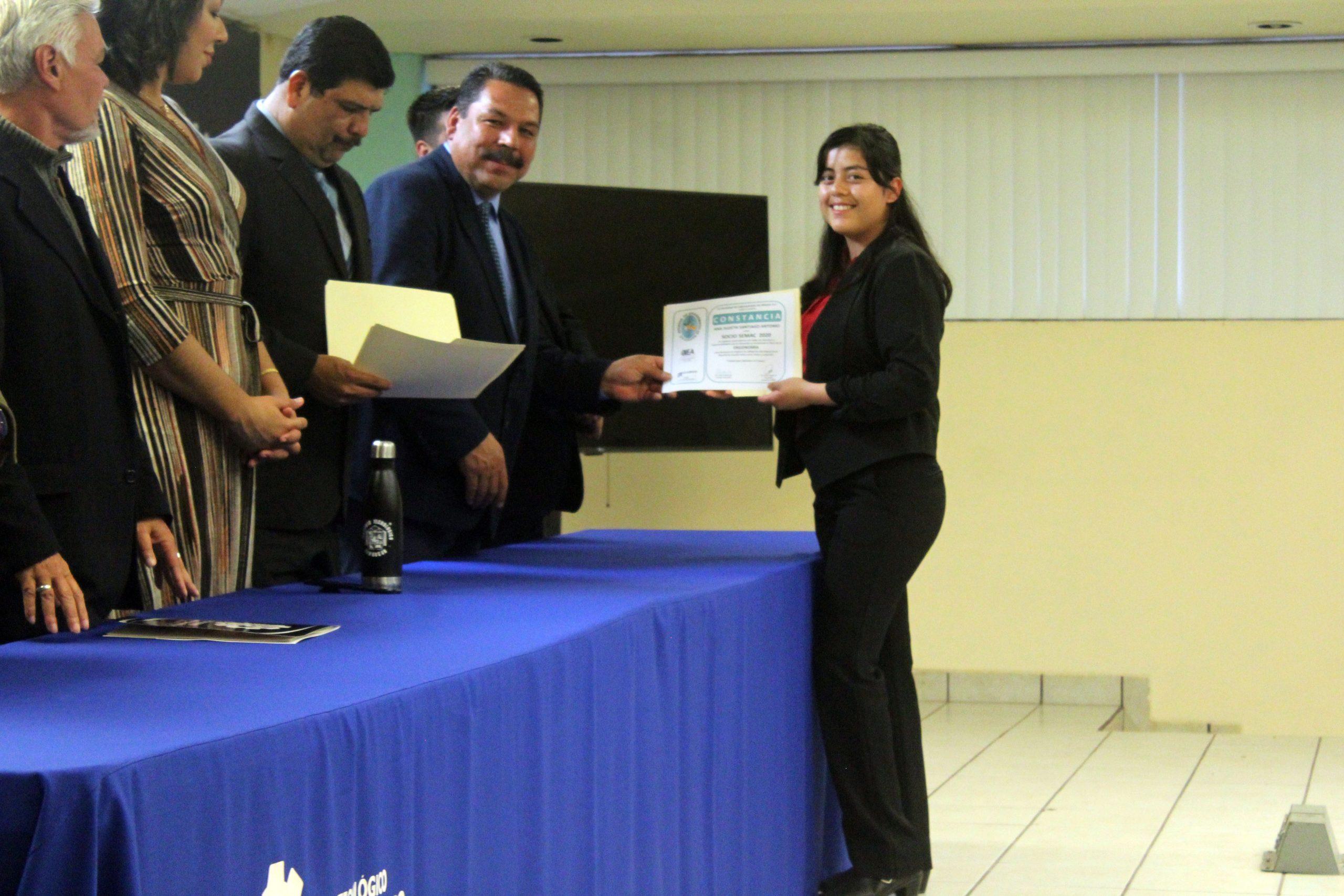 Estudiantes del TecNM Campus Agua Prieta reciben reconocimiento como nuevos miembros CAPUNI por parte de SEMAC