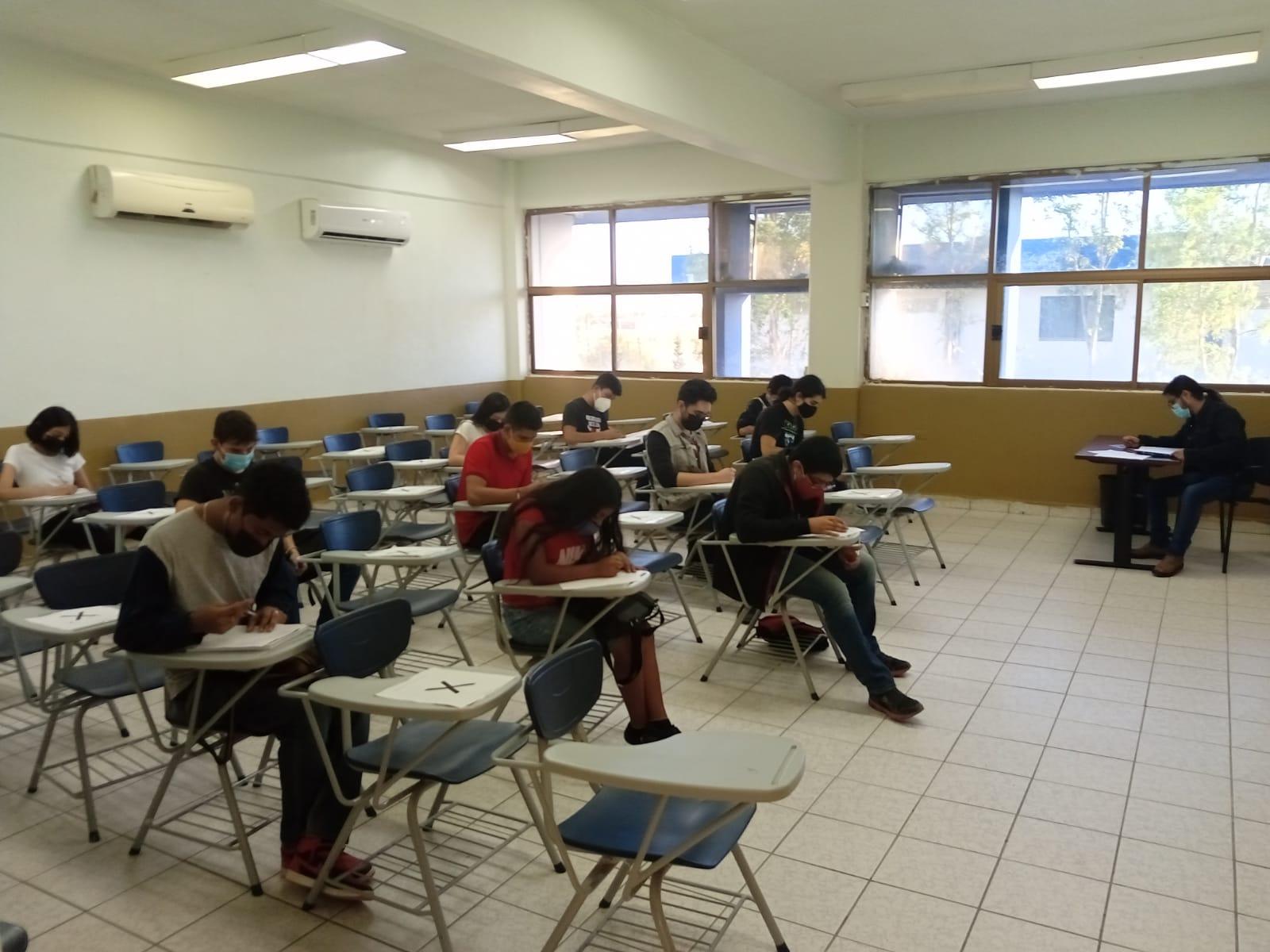 ALUMNOS DEL TECNM CAMPUS AGUA PRIETA REACTIVAN ACTIVIDADES PRESENCIALES EN EL CLUB DE CIENCIAS BÁSICAS
